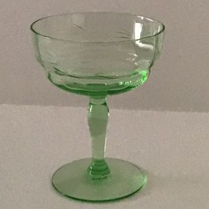 GREEN ETCHED SMALL DEPRESSION GLASS WINE STEM